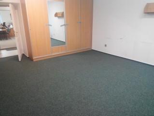 Zátěžový koberec v kanceláři