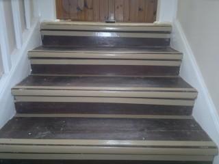 Příprava schodnic na pokládku koberce
