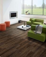 Laminátová podlaha do obývacího pokoje Balterio Tradition Quattro 544 Ořech